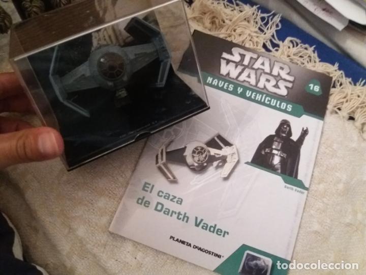 Figuras y Muñecos Star Wars: STAR WARS NAVE Y VEHICULOS CAZA DARTH VADER CON FASCÍCULO 16 PLANETA AGOSTINI FIGURA PLOMO. LEER - Foto 2 - 136222410