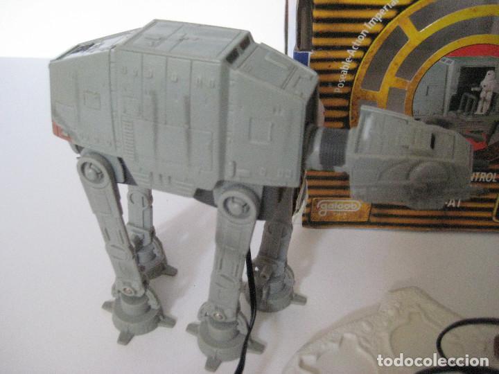 Figuras y Muñecos Star Wars: NAVE IMPERIAL AT-AT MICROMACHINES CON CAJA Y MANDO, BUEN ESTADO - Foto 5 - 140053342