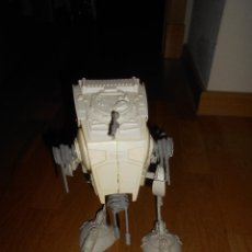 Figuras y Muñecos Star Wars: VEHÍCULO AT-ST SCOUT WALKER Y PILOTO (KENNER 1984) STAR WARS. Lote 146657850
