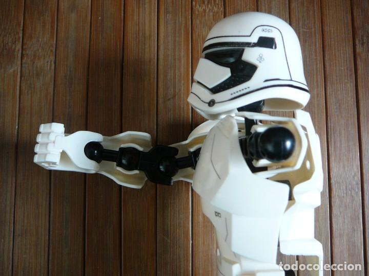 Figuras y Muñecos Star Wars: First order Stormtrooper Lego Star Wars 75114. Soldado Tropas de Asalto. Incompleto. - Foto 8 - 147761666