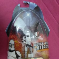 Figuras y Muñecos Star Wars: STAR WARS. QUITCK-DRAW ATTACK !. CLONE TROOPER. REVENGE OF THE SITH. EN SU BLISTER ORIGINAL. Lote 151962186
