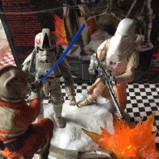 Figuras y Muñecos Star Wars: STAR WARS LUKE SKYWALKER CENTERPIECE BLACK SERIES CON FIGURAS. Lote 164661969