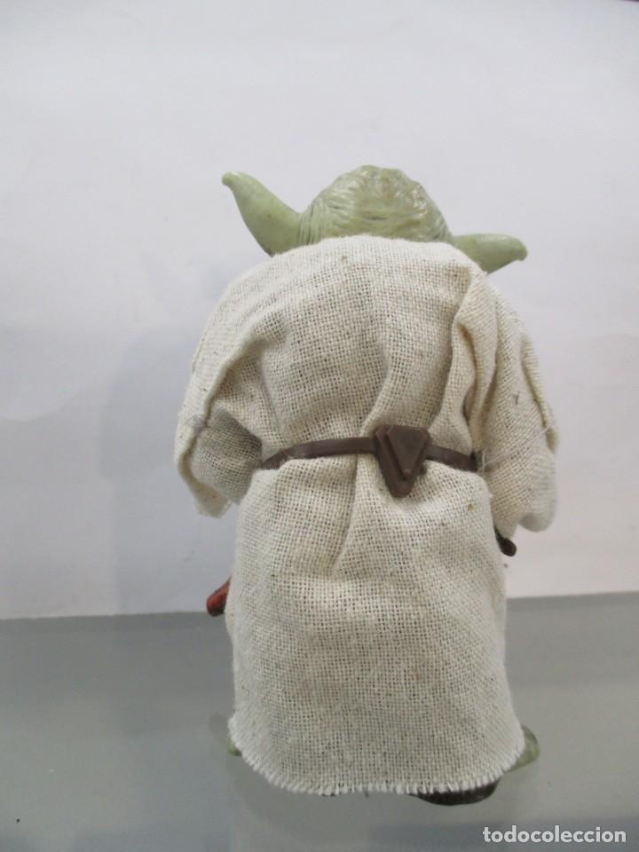Figuras y Muñecos Star Wars: STAR WARS - YODA JEDI MASTER - RESINA Y CHAQUETA DE TELA - NUEVO -12 CM - Foto 4 - 173895327