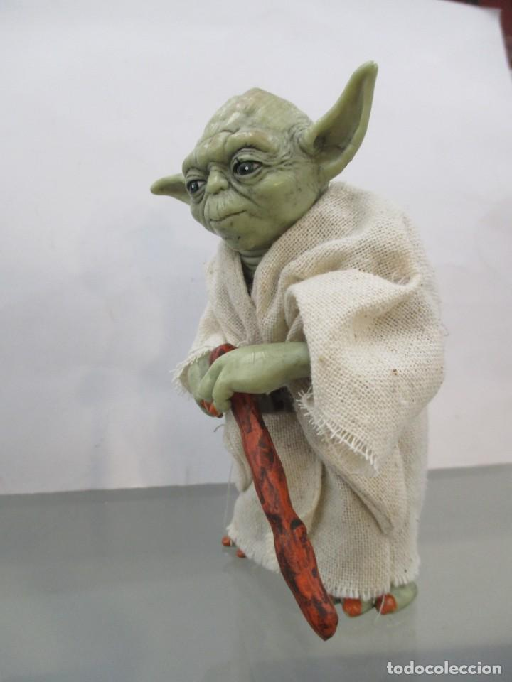 Figuras y Muñecos Star Wars: STAR WARS - YODA JEDI MASTER - RESINA Y CHAQUETA DE TELA - NUEVO -12 CM - Foto 5 - 173895327