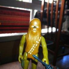 Figuras y Muñecos Star Wars: STAR WARS CHEWBACCA 1977 KENER ARMA ORIGINAL. Lote 173969852