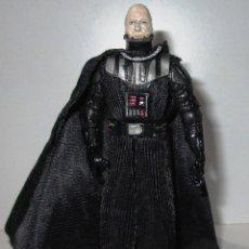 Figuras y Muñecos Star Wars: FIGURA STAR WARS, DARTH VADER, CASCO REMOVIBLE, HASBRO 2005. Lote 175129840