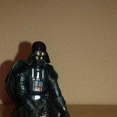 Figuras y Muñecos Star Wars: STAR WARS HASBRO DARTH VADER. Lote 177430408