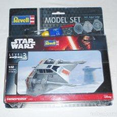 Figuras y Muñecos Star Wars: MAQUETA STAR WARS SNOWSPEEDER - REVELL - MODEL SET - INCLUYE PINTURAS - NUEVO. Lote 182206430