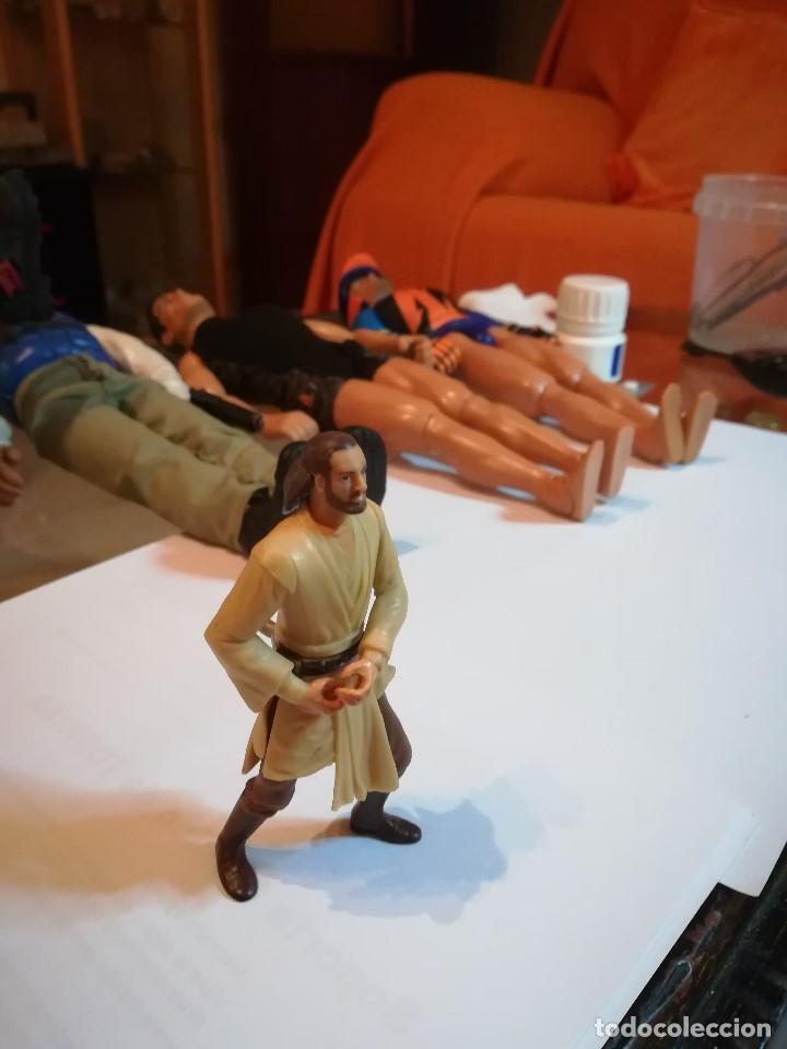 FIGURA STAR WARS CON MOVIMIENTO MEDIANTE BOTÓN TRASERO. (Juguetes - Figuras de Acción - Star Wars)