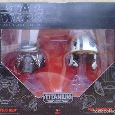 Figuras y Muñecos Star Wars: STAR WARS CASCOS DE KYLO REN Y POE DAMERON BLACK SERIES SERIE TITANIUM. Lote 187514042