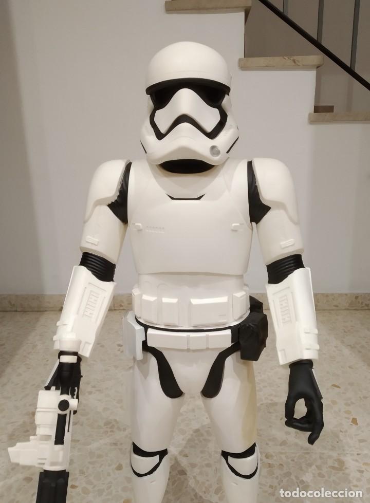 Figuras y Muñecos Star Wars: ENORME FIGURA STORMTROOPER -JAKKS PACIFIC- 80 CMS, STAR WARS: EL DESPERTAR DE LA FUERZA - Foto 2 - 191642287