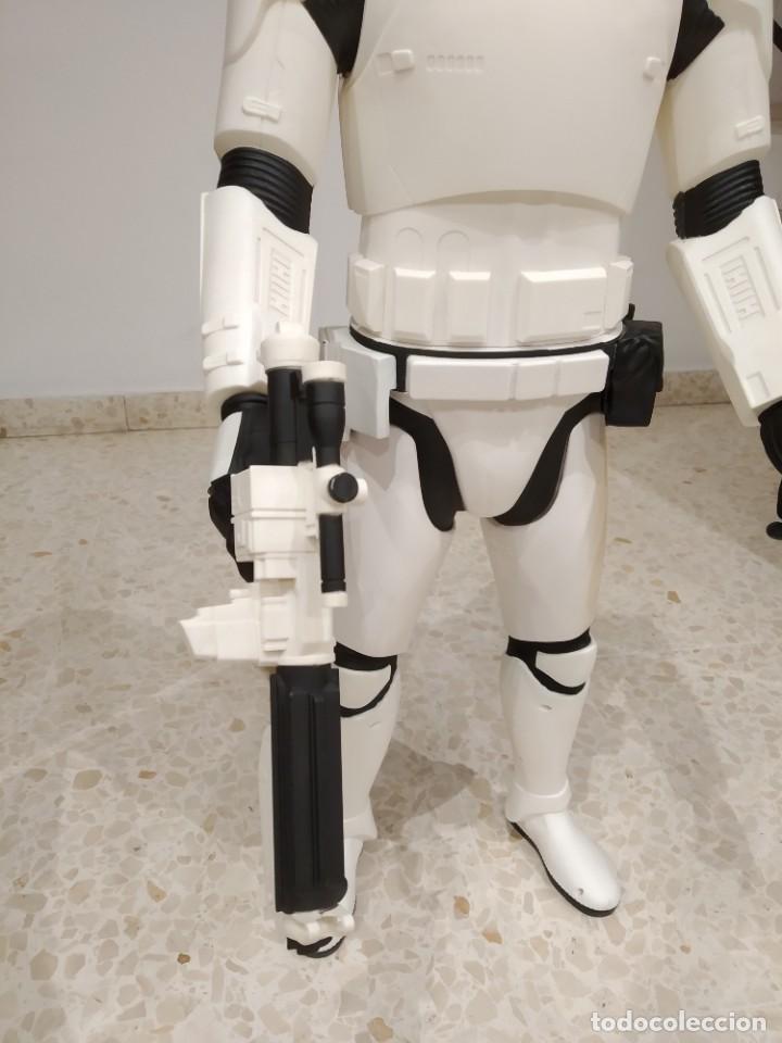 Figuras y Muñecos Star Wars: ENORME FIGURA STORMTROOPER -JAKKS PACIFIC- 80 CMS, STAR WARS: EL DESPERTAR DE LA FUERZA - Foto 3 - 191642287