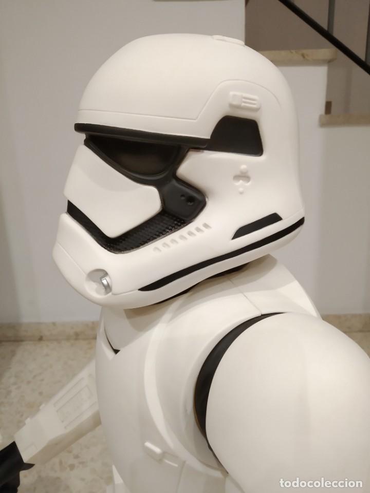 Figuras y Muñecos Star Wars: ENORME FIGURA STORMTROOPER -JAKKS PACIFIC- 80 CMS, STAR WARS: EL DESPERTAR DE LA FUERZA - Foto 6 - 191642287