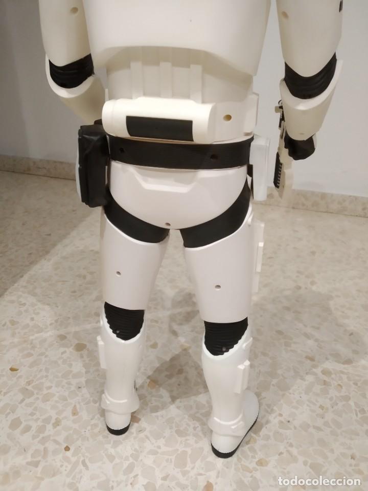 Figuras y Muñecos Star Wars: ENORME FIGURA STORMTROOPER -JAKKS PACIFIC- 80 CMS, STAR WARS: EL DESPERTAR DE LA FUERZA - Foto 8 - 191642287