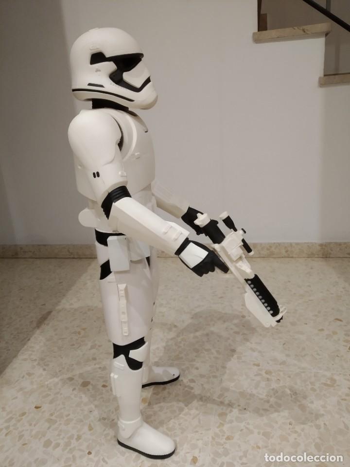 Figuras y Muñecos Star Wars: ENORME FIGURA STORMTROOPER -JAKKS PACIFIC- 80 CMS, STAR WARS: EL DESPERTAR DE LA FUERZA - Foto 9 - 191642287