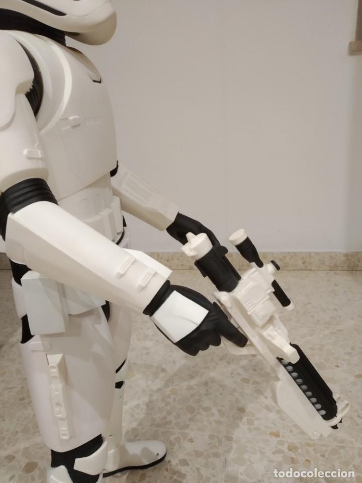 Figuras y Muñecos Star Wars: ENORME FIGURA STORMTROOPER -JAKKS PACIFIC- 80 CMS, STAR WARS: EL DESPERTAR DE LA FUERZA - Foto 10 - 191642287
