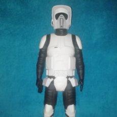 Figuras y Muñecos Star Wars: STAR WARS FIGURA SCOUT TROOPER 49 CMS. Lote 194351438