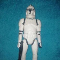 Figuras y Muñecos Star Wars: STAR WARS FIGURA CLONE TROOPER 30 CMS. Lote 194351895