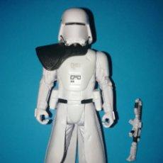 Figuras y Muñecos Star Wars: STAR WARS FIGURA FIRST ORDER SNOWTROOPER OFFICER. Lote 195239723