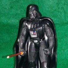Figuras y Muñecos Star Wars: LOTE FIGURA DE ACCION STAR WARS - HASBRO - DARTH VADER - ALT. 11 CMS. Lote 197197633