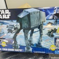 Figuras y Muñecos Star Wars: STAR WARS AT-AT NUEVO SIN USAR. Lote 203436290