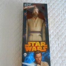 Figuras y Muñecos Star Wars: STAR WARS OBI-WAN KENOBI HASBRO 2013 LIGHT SABER GUERRA GALAXIAS FIGURA 1/6 1:6 OBI WAN FIGURE. Lote 209125200