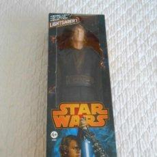 Figuras y Muñecos Star Wars: STAR WARS ANAKIN SKYWALKER HASBRO 2013 LIGHT SABER GUERRA GALAXIAS FIGURA 1/6 1:6 OBI WAN FIGURE. Lote 209125590