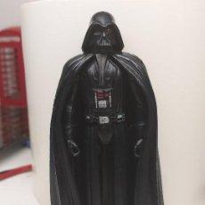 Figuras y Muñecos Star Wars: FIGURA STAR WARS DARTH VADER TIPO KENNER SERIE REBELDS HASBRO VENIA EN EL PACK JUNTO A AHSOKA TANO. Lote 246631550