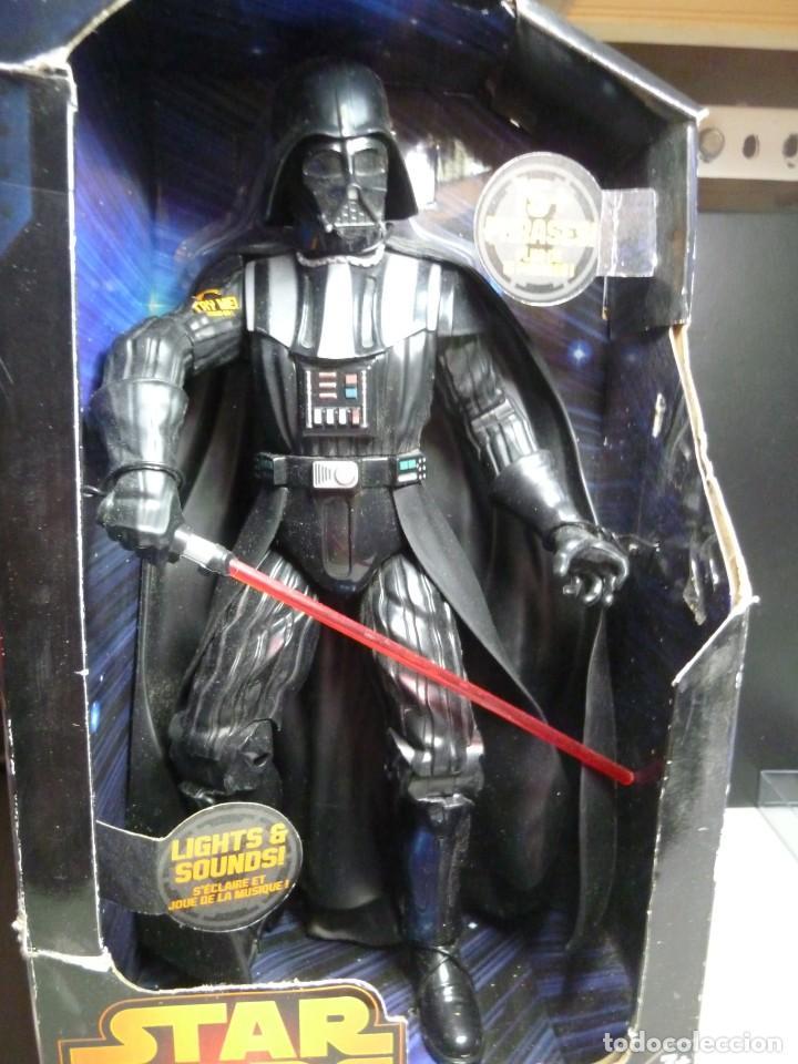 Figuras y Muñecos Star Wars: FIGURA DARTH VADER CON SONIDOS - Foto 7 - 213514440