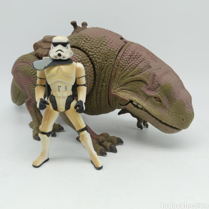 Figuras y Muñecos Star Wars: Dewback y Sandtrooper de Star Wars LFL Kenner año 1997 The Power of the Force - Foto 2 - 213743232