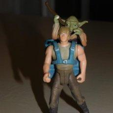 Figuras y Muñecos Star Wars: STAR WARS *BESPIN FATIGUES CON EL YODA EN MOCHILA* KENNER LFL 1995. 10 CM. 4 FOTOS DESCRIPTIVAS.. Lote 216359812