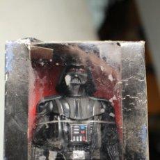 Figuras y Muñecos Star Wars: FIGURA DARTH VADER 15 CM - STAR WARS HASBRO DISNEY - JUGUETE LA GUERRA DE LAS GALAXIAS. Lote 236686460