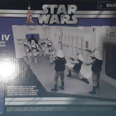 Figuras y Muñecos Star Wars: TANTIVE IV PLAY SET + FIGURA VINTAGE COLLECTION STAR WARS HASBRO. Lote 253096315