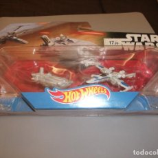 Figuras y Muñecos Star Wars: HOT WHEELS STAR WARS: THE FORCE AWAKENS FIRST ORDER TRANSPORTER VS. X-WING FIGHTER STARSHIP.. Lote 242927860