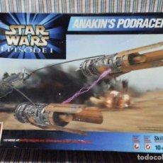 Figuras y Muñecos Star Wars: MAQUETA STAR WARS ANAKIN 'S PODRACER 1:32, EN SU CAJA. Lote 248950025