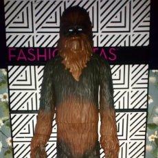 Figuras y Muñecos Star Wars: FANTASTICA FIGURA CHEWBACCA DE STAR WARS, MIDE 50 CM, JAKKS PACIFIC - 2014. Lote 262257380