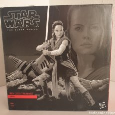 Figuras y Muñecos Star Wars: STAR WARS REY JEDI TRAINING BLACK SERIES. Lote 263083515