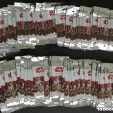 Figuras y Muñecos Star Wars: LOTE DE 100 SOBRES DE CROMOS DEL ALBUM STAR WARS EL CAMINO DE LOS JEDI - NUEVOS, NUNCA ABIERTOS. Lote 182331366