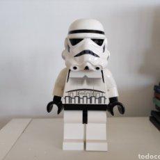 Figuras y Muñecos Star Wars: LEGO.GRAN MINIFIGURA STORMTROOPER 20 CM ALTO.STAR WARS. Lote 274804213