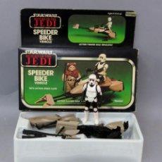 Figuras y Muñecos Star Wars: STAR WARS SPEEDER BIKE VEHICLE MOTO CON SCOUT TROOPER KENNER 1983 CAJA INSTRUCCIONES NUEVO. Lote 294847698