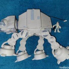 Figuras y Muñecos Star Wars: STAR WARS VEHÍCULO Y FIGURA AT-AT GALACTIC HEROES. Lote 296810788