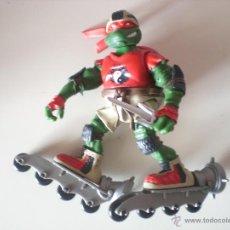 Figuras y Muñecos Tortugas Ninja: MUÑECO TORTUGAS NINJA RAPHAEL BIKIN RAPH DE 13 CM PLAYMATES. Lote 44449352
