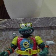 Figuras y Muñecos Tortugas Ninja: FIGURA ARTICULADA TORTUGAS NINJA TMNT MIKE SURFER 1990 MIRAGE STUDIOS PLAYMATES TOYS. Lote 62265476