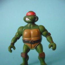 Figuras y Muñecos Tortugas Ninja: TMNT TEENAGE MUTANT NINJA TURTLES RAPHAEL FIGURA ARTICULADA DE 6 CM PLAYMATES TOYS 2002. Lote 84924136