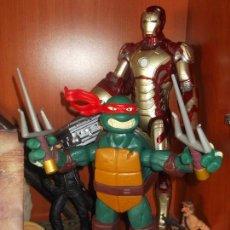 Figuras y Muñecos Tortugas Ninja: TORTUGA NINJA GRANDE GIOCHI PREZIOSI CON ARMAS. Lote 109566411
