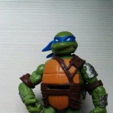 Figuras y Muñecos Tortugas Ninja: FIGURA TORTUGAS NINJA 15 CM LANZA FICHAS VIACOM 2012. Lote 113746612