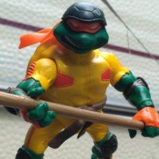 Figuras y Muñecos Tortugas Ninja: FIGURA ACCION TORTUGAS NINJA CON ACCESORIOS. Lote 113949759