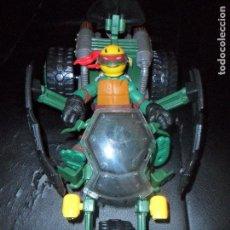 Figuras y Muñecos Tortugas Ninja: RAPHAEL EN VEHICULO NINJA STEALTH BIKE. LAS TORTUGAS NINJA 2012 - VIACOM EL SEGUNDO 2012 - TMNT. Lote 121711902
