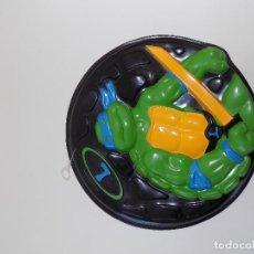 Figuras y Muñecos Tortugas Ninja: FRISBEE TORTUGAS NINJA. MARCA MB. AÑO 1990. DEVORADORAS DE PIZZA - LEONARDO. NUEVO!. Lote 119915351