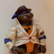 Figuras y Muñecos Tortugas Ninja: DONATELLO UNDER COVER. TMNT TORTUGAS NINJA PLAYMATES. Lote 127252427